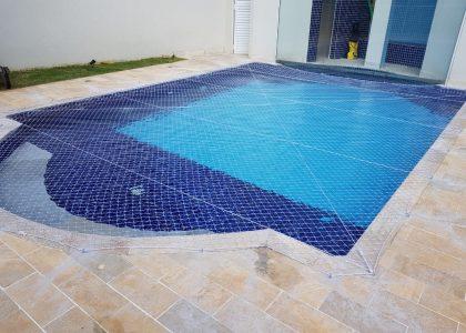 piscina16F9EA92-1C2E-15C3-E685-2FB073BF0FAA